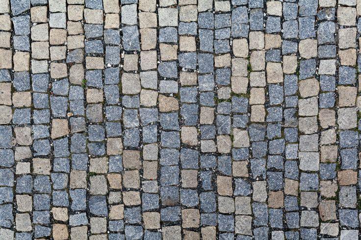 https://previews.123rf.com/images/alexzaitsev/alexzaitsev1508/alexzaitsev150800019/43891168-Pavimentazione-di-pietra-texture-Granito-ciottoli-marciapiede-sfondo-Sfondo-astratto-di-vecchia-pavi-Archivio-Fotografico.jpg