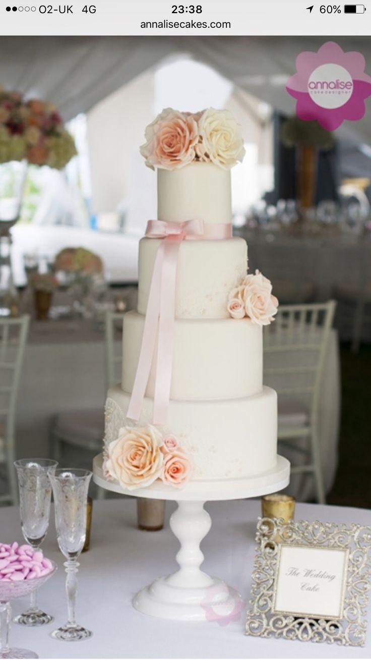 Wedding cake Annalise