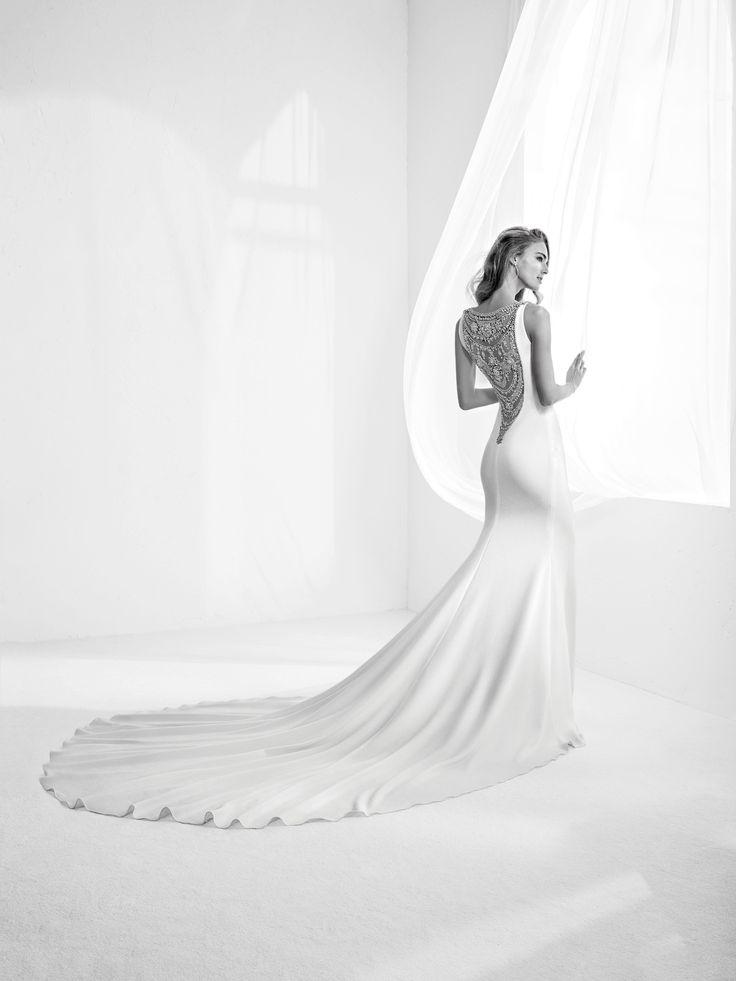 Vestido de noiva costas pronunciadas Alta costura 2018