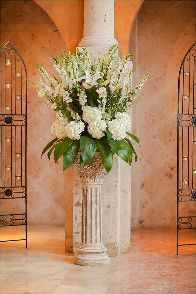 Ivory Amp Green Flower Arrangement For Wedding Ceremony Venue The Bell Tower On 34th Street