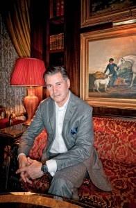 Jeremy Hackett in der Library Bar des Lanesborough Hotel (© TOP Magazin Frankfurt)