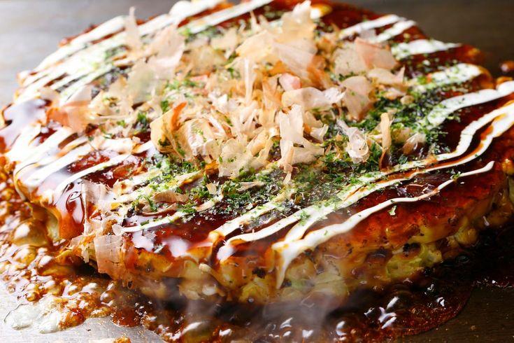 おいしそ〜〜〜。 Okonomiyaki お好み焼き