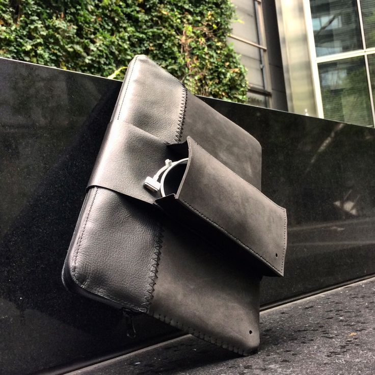 this.MacBook leather  #MacBook #sleeve #leather #rubberfoam #waterproof #zipper #external #charger #pocket #london #mensaccessories #design #mensfashion #style #thisisit #thisisitgram #thisisitdaily