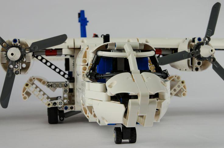 https://flic.kr/p/hXFCLW   LEGO Technic 42025 Cargo Plane