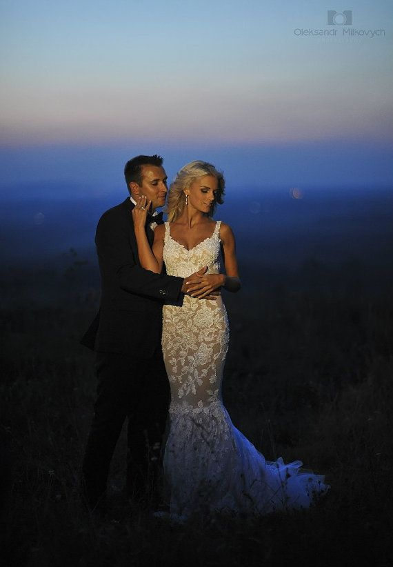 Lace Long Wedding Dress with Puddle Traine door ApilatCreativeAtelie, $1610.00