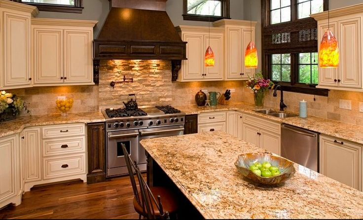GRANITE Venetian Gold light polished slab cream background with pale
