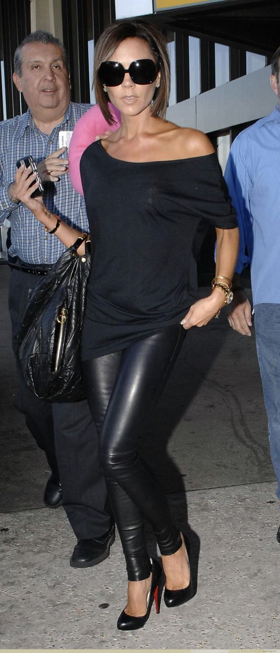 Victoria Beckham, all black, look preto