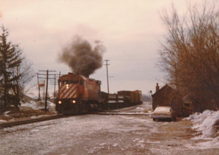 CP Carlton Place, Ontario PHOTOGRAPH IDENTIFER: MS587.C3.S-C3.0272 STORAGE LOCATION: V08-062-04-02, Box 1 SCOPE/CONTENT: CP Work Train SUBJECT: Railway Scenes, Various Locations NOTES: Photograph: Photograph: colour, 10 by 15 cm