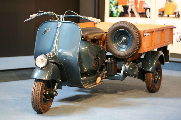 70º Aniversario de Ape Piaggio Este año 2018 se celebra el 70º aniversario de Ape Piaggio, una de las motos emblemáticas de la marca italiana. La reconocida motocarro de carga cumple 70 años desde que salió al mercado en 1948; hoy abordaremos lo más relevante de la moto Ape de Piaggio desde sus comienzos.