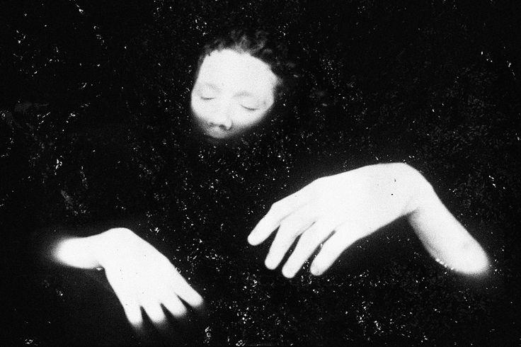 Портфолио: Кир Эсадов — Московский фотохудожник Кир Эсадов знает, что черно-белая фотография проигрывает цветной, но продолжает тренироваться в сложном.