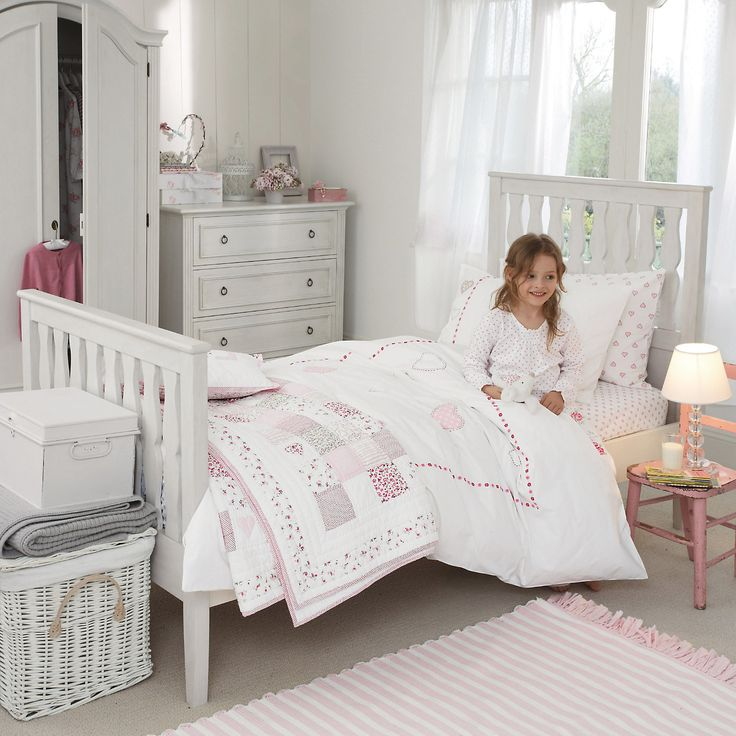 White Bedroom Furniture For Girls Bedroom Design Ideas