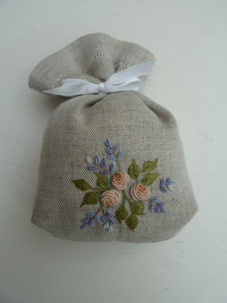 (via Christine Ober, Embroidery - plants)