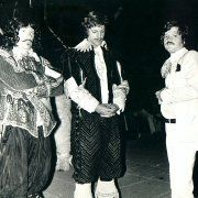Frank Finlay, Richard Chamberlain, and Ilya Salkind on the set on THE THREE MUSKETEERS (1973)