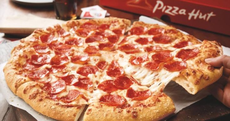 Get a Free pizza with Pizza Hut & the Superbowl!  Join Hut Rewards before the Superbowl kickoff on February 4th and if the 14 second touchdown record is broken, you will score a free medium 2-topping Pizza Hut Pizza!  Cool!  The Free Pizza will be available on your account sometime during February 8-11th. http://ifreesamples.com/free-medium-2-topping-pizza-pizza-hut/