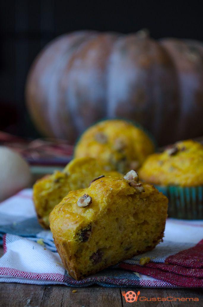 Muffin salati zucca pancetta e nocciole sono dei deliziosi antipasti. Facili e veloci da preparare, ottimi per buffet o aperitivi.
