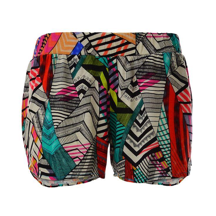 Short con Estampado, De Victoria, $16.000. Short con un estampado muy colorido que lo hace perfecto para el verano, lo puedes combinar con diversas prendas que sean sólo de un co...