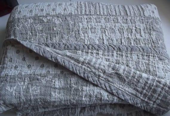 Reversible linen blanket. Beige and Ecru Blanket. Two sided