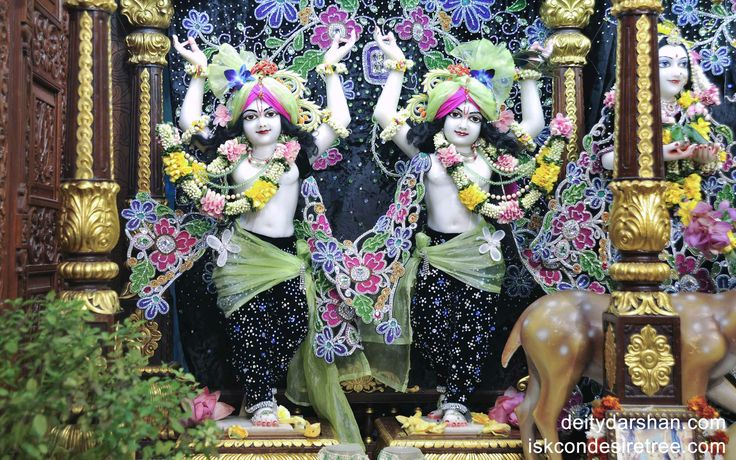 To view Gaura Nitai Wallpaper of ISKCON Chowpatty in difference sizes visit - http://harekrishnawallpapers.com/sri-sri-nitai-gaurachandra-wallpaper-003/