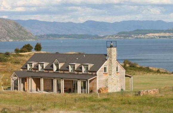 http://www.holidayhomes.co.nz/new-zealand/south-island/southern-lakes-otago-southland/wanaka/listing/13543.html