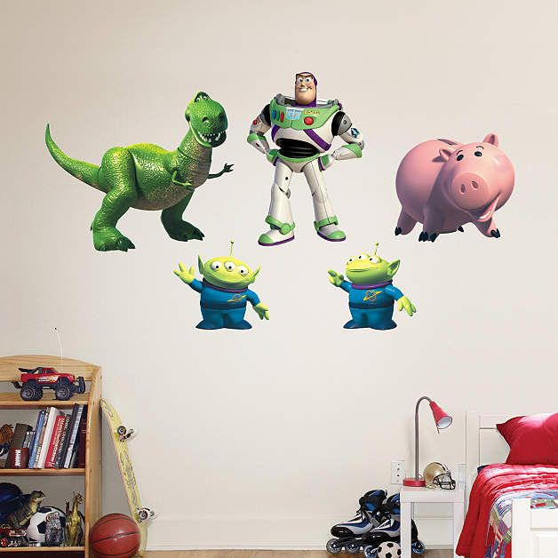 17 best images about disney wall decals on pinterest for Buzz lightyear wall mural