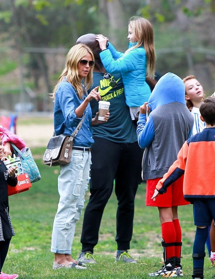 Heidi Klum Photos - Seal and Heidi Klum Soccer Go to their Kids' Soccer Game — Part 2 - Zimbio