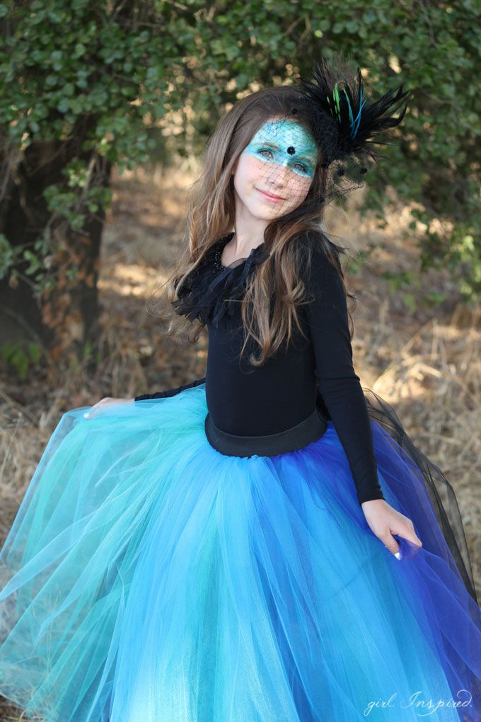 78 best halloween images on pinterest crafts for kids make this dramatic tutu for a simple but stunning peacock costume solutioingenieria Gallery