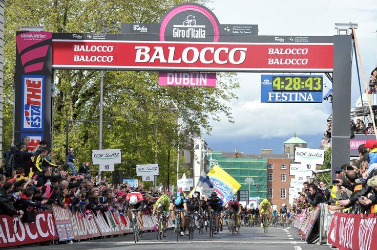 Winner Marcel Kittel crossing the finish line.