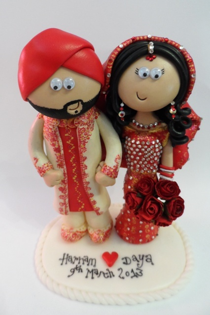 Sikh Personalised Wedding Cake topper. I make them to look like the couple in their outfits. I ship World wide ;o)