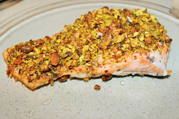 Salmone con pistacchio