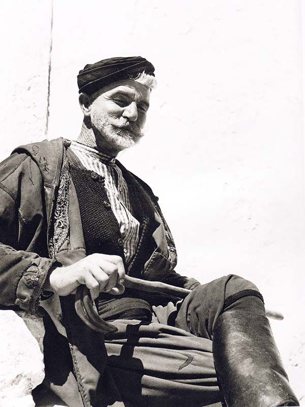 "Sfakianos - Elli Sougioultzoglou-Seraidari AKA ""Nelly's"", photographer…"