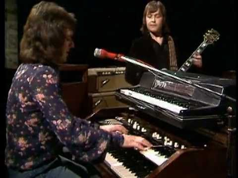 "▶ Spooky Tooth - ""Waiting For The Wind"" [Live on German Musikladen in April 1973. The Special was called Music Workshop]"
