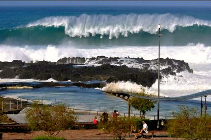 Bajamar con el mar bravío - Tenerife 2013