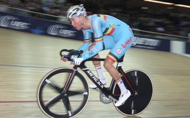 Coupe du monde de cyclisme sur piste: médaille de bronze pour Moreno De Pauw en scratch à Apeldoorn -                  Moreno De Pauw a terminé troisième en scratch de la coupe du monde de cyclisme sur piste vendredi à Apeldoorn, aux Pays-Bas. Le Bélarusse Raman Ramanau et le Britannique Christopher Latham ont pris les deux premières places.  http://si.rosselcdn.net/sites/default/files/imagecache/flowpublish_preset/2016/11/12/376791366_B97
