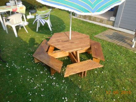 1000 ideas about pallet picnic tables on pinterest. Black Bedroom Furniture Sets. Home Design Ideas