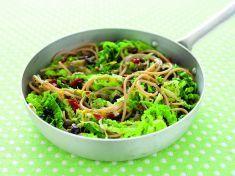 Spaghetti colorati con verza e pomodori secchi - Tutte le ricette dalla A alla Z - Cucina Naturale - Ricette, Menu, Diete