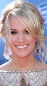 carrie underwood 165x300 Carrie Underwoods Prom Hairstyle