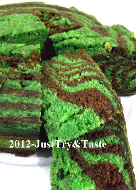 Just Try & Taste: Cake Kukus Pisang Zebra Hijau & Coklat
