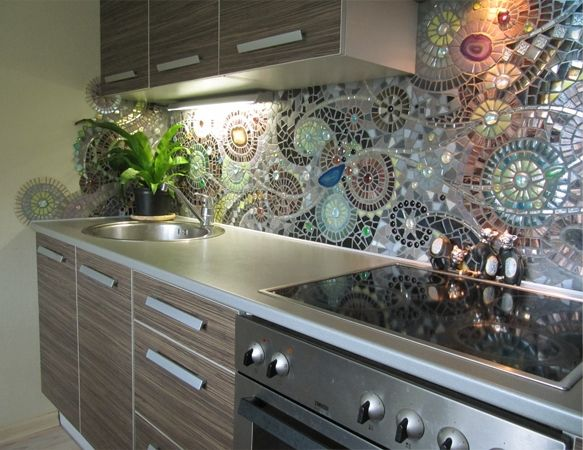 Best 25 mosaic backsplash ideas on pinterest mosaic art kitchen mosaic and mosaic tile art - Awesome kitchen from stone more cheerful ...