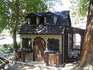Fancy Cottage Chicken Coop