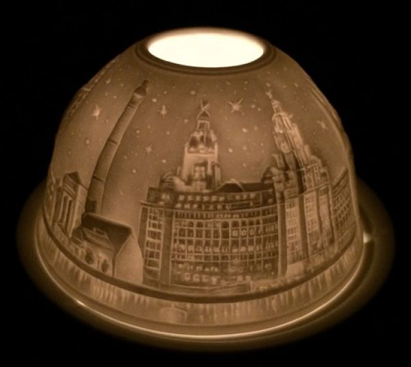 This stunning tea light holder incorporates various images of Liverpool, from the LiverBirds to the Radio City Tower! This delicate set will be sure to light up your room or it is a perfect gift for a friend! You can purchase yours online or in the shop!