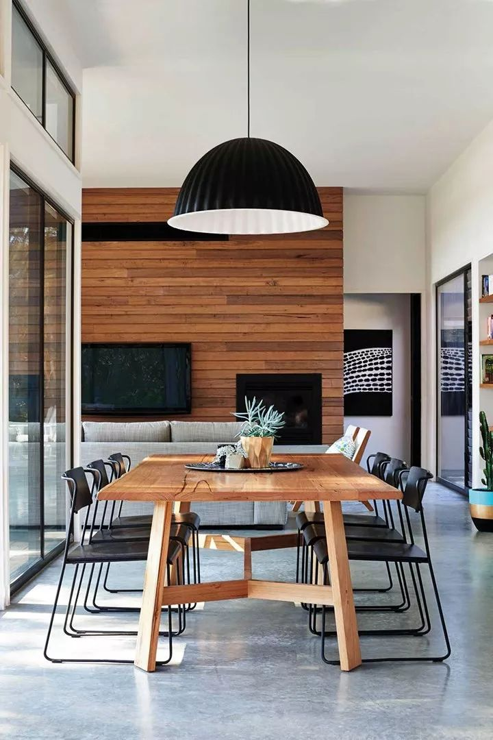 10 ways to style up your timber dining table – Ria