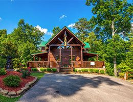 Awesome Getaway and a Theater - Pigeon Forge TN Cabins