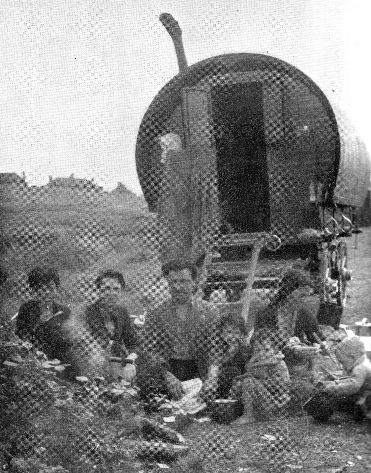 A gypsy family camping on wasteland in Ipswich, date unknown. Description from thosewhowillnotbedrowned.wordpress.com. I searched for this on bing.com/images