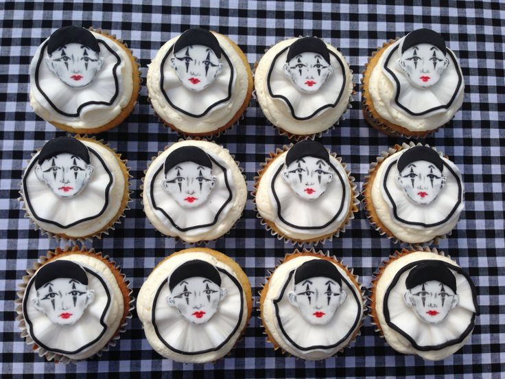 Clown cupcakes hand painted