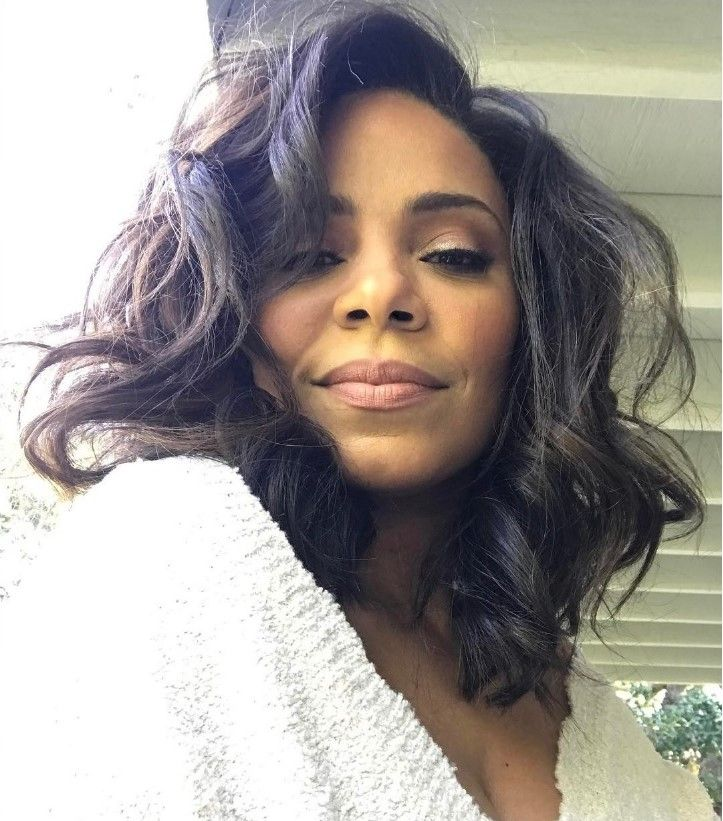 Sanaa Lathan shaves her head: See her new look - Rolling Out