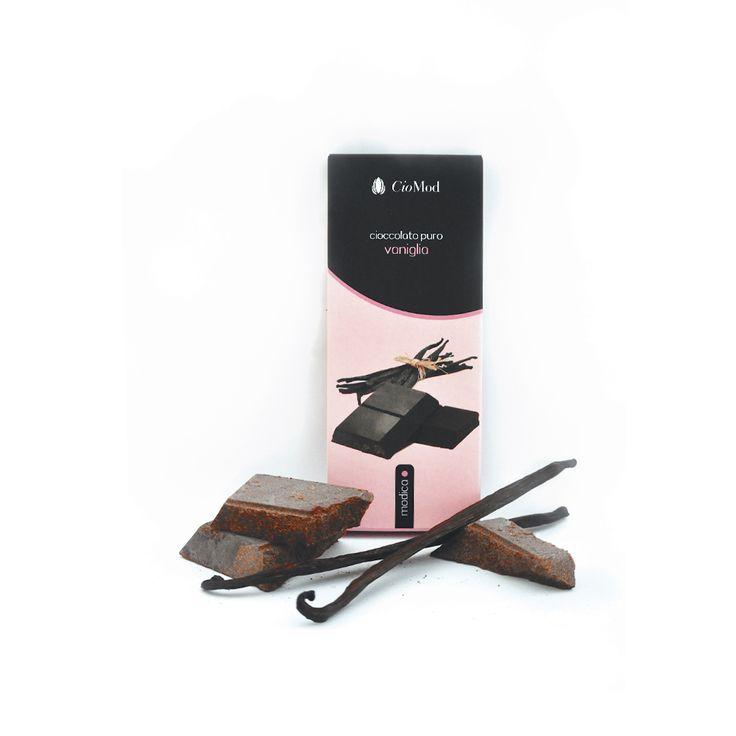 Dark chocolate vanilla flavours from Modica, Sicily.