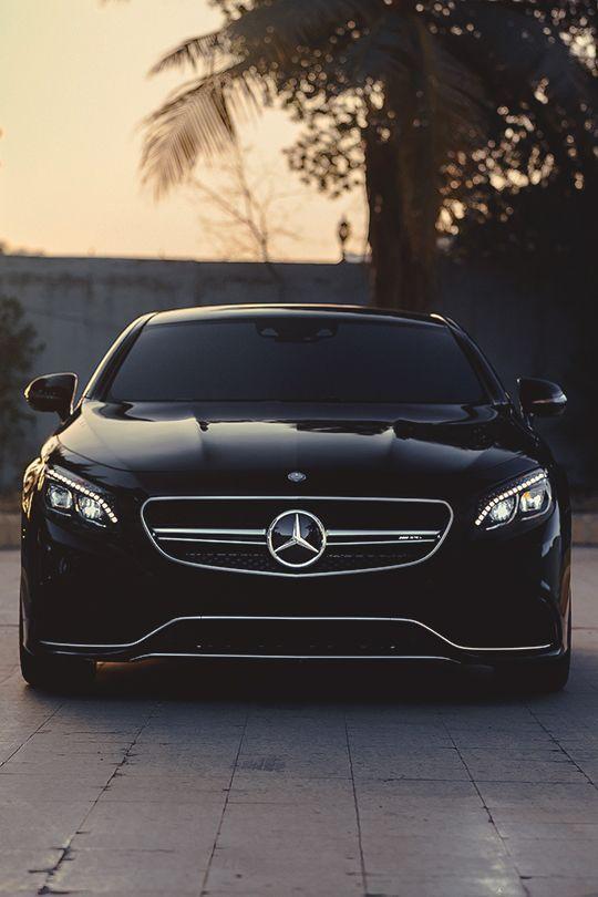Luxus schwarz Mercedes Benz – Dương Dũng