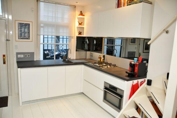 In een hofjeswoning plaatsten we recent deze compacte keuken van varenna - Keuken varenna ...