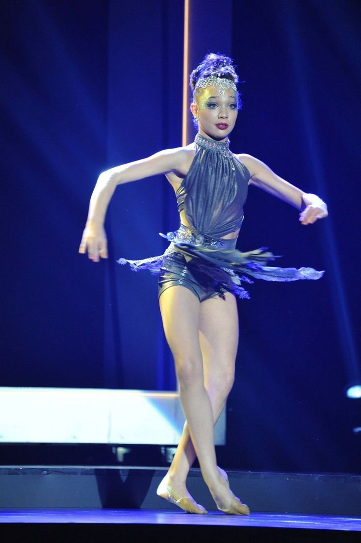 Maddie Ziegler performing Chandelier at the 2015 ASTRA awards