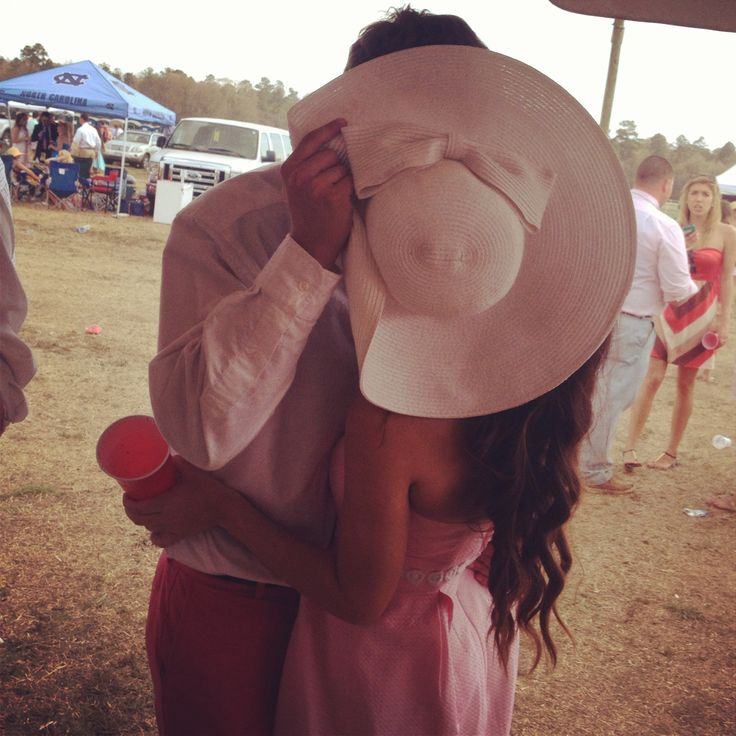couple, couples photography, couples pictures, in love, engagement pictures, engagement photos, picture ideas, big hat, Kentucky derby